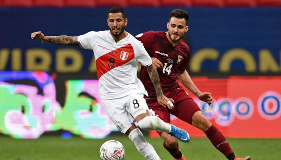 Sergio Peña jugó ante Uruguay, en el primer partido de la triple jornada de Eliminatorias. (Foto: AFP)